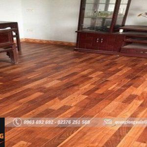 Cận cảnh thi công sàn gỗ tại Lang Chánh